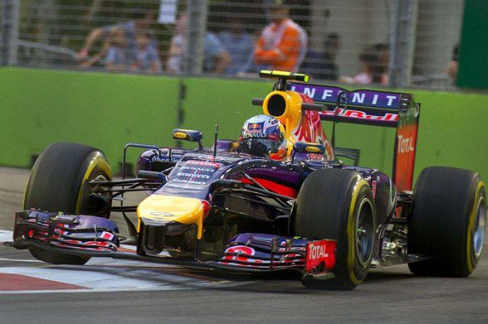 Daniel_Ricciardo_2014_Singapore_FP1